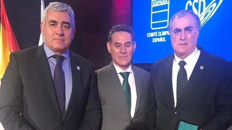 El Club Fluvial de Lugo, distinguido por el COE y la RFEP, por sus 50 años en la élite del piragüismo